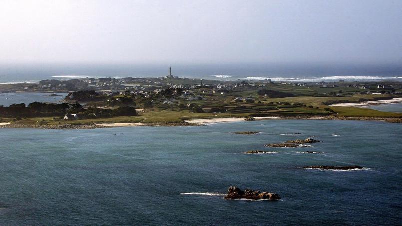 L'Ile de Batz, au large des côtes bretonnes. Une cargaison toxique s'est échouée sur la portion du littoral qui s'étire de Ploudalmézeau à Batz.