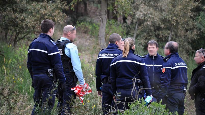 Le corps avait été retrouvé jeudi vers 14H00 dans un trou d'eau sur la commune de Saint-Trojan, dissimulé «avec beaucoup de soins, sous des végétaux, rendant ainsi sa découverte particulièrement difficile», selon le parquet.