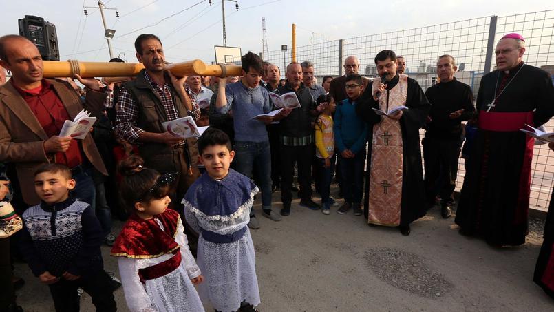 Des chrétiens irakiens ayant fui Mossoul et réfugiés à Erbil, le 4 mars 2016.