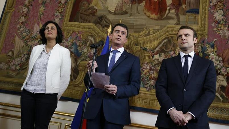 Manuel Valls, accompagné de Myriam El Khomri et Emmanuel Macron, a reçu les syndicats et le patronat cette semaine pour entendre leurs critiques sur le texte.