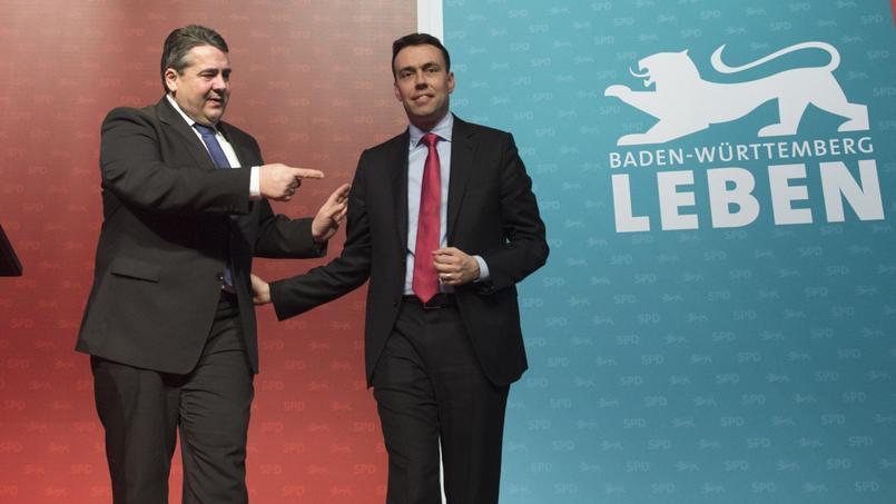 Le président du SPD, Sigmar Gabriel et Nils Schmid, le candidat du parti dans le Bade-Wurtemberg, le 9 mars 2016. Dans ce Land, les sociaux-démocrates, avec 14% des intentions de vote, est talonné par l'AfD, avec 11%.