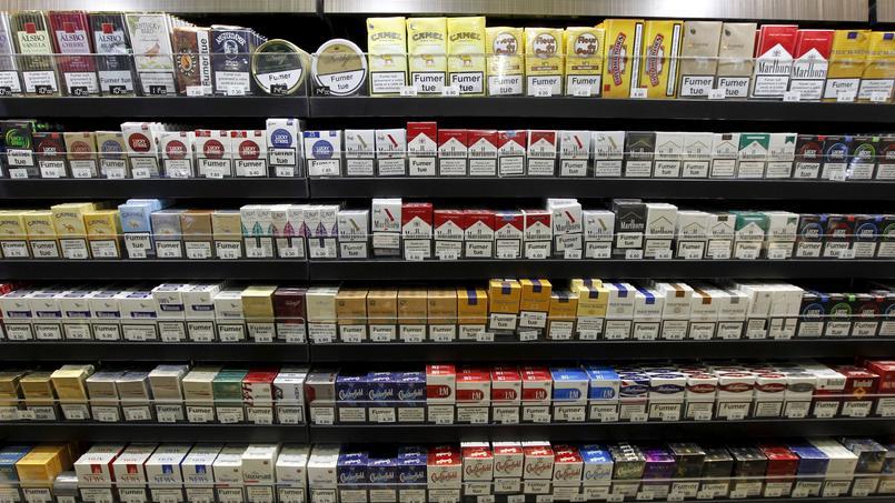 La vente du paquet de tabac neutre entrera en vigueur en France le 20mai prochain.