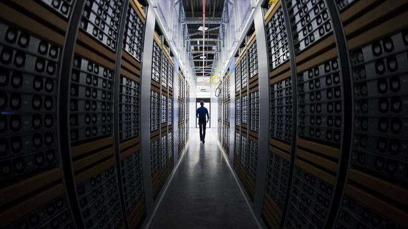 La plateforme d'interceptions judiciaires permet de centraliser toutes les demandes et toutes les écoutes électroniques sur des serveurs enterrés à 10 mètres sous terre. (Photo d'illustration)