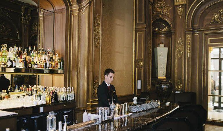 L'hôtel Peninsula, à Paris, a créé 600 emplois l'an dernier (Photo: Lucien Lung / Le Figaro)
