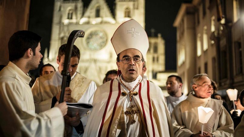 Le cardinal Barbarin est dans la tourmente depuis plusieurs semaines, accusé de non-dénonciation par les victimes d'un prêtre pédophile.