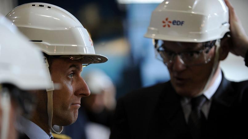 Le ministre de l'Economie, Emmanuel Macron et le PDG d'EDF, Jean-Bernard Levy