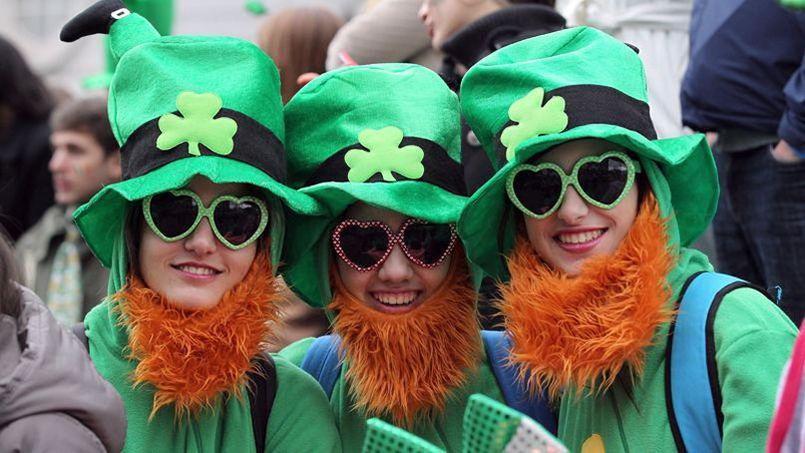 Déguisements verts de rigueur pour la Saint-Patrick.