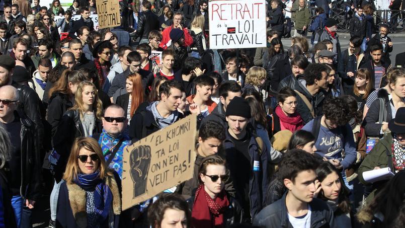 Manifestation des lycéenset étudiants contre la loi travail, jeudi à Paris