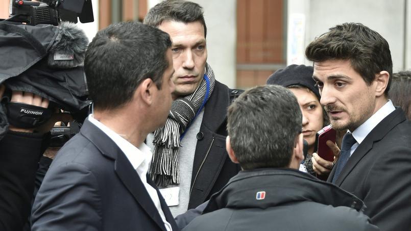 Jean Tamalet, l'avocat du gendarme à l'origine du tir qui a tué Rémi Fraisse, devant le palais de justice de Toulouse à l'issue de l'audition de son client, vendredi 18 mars