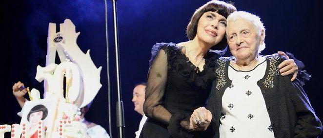 La chanteuse a annoncé que sa mère, Marcelle-Sophie Mathieu, est décédée ce dimanche matin à Avignon (Vaucluse) à l'âge de 94 ans.