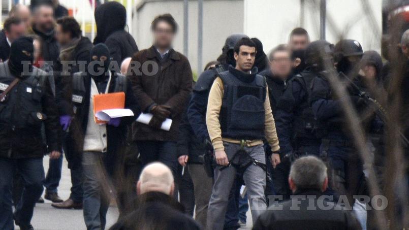 L'opération s'est déroulée en présence de Sid Ahmed Ghlam, le tueur présumé, et des membres de la famille d'Aurélie Châtelain.