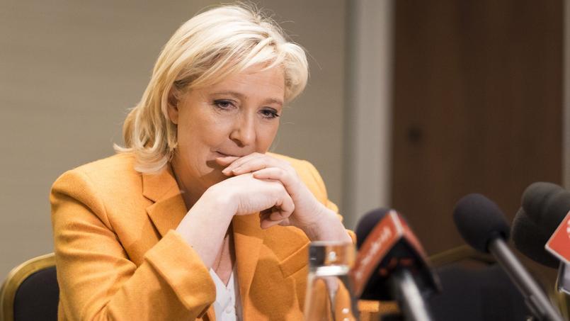 Marine Le Pen, en conférence de presse à Québec, le 20 mars 2016