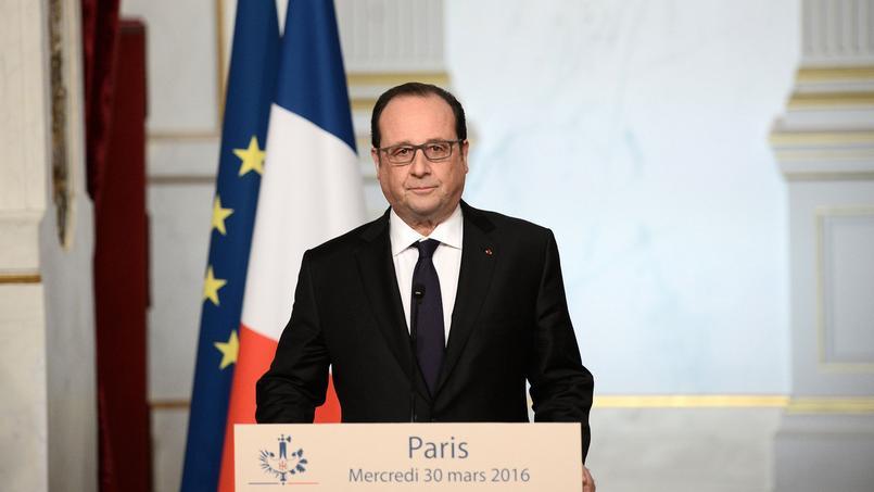 François Hollande a annoncé, mercredi, à l'Élysée, qu'il renonçait à convoquer le Congrès pour faire adopter la révision constitutionnelle.