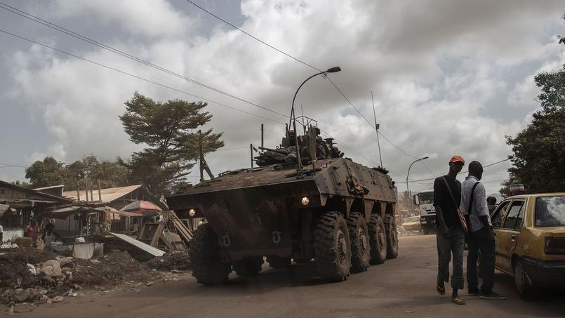 Bangui, le 26 Novembre 2016. Véhicule militaire des forces françaises Sangaris.