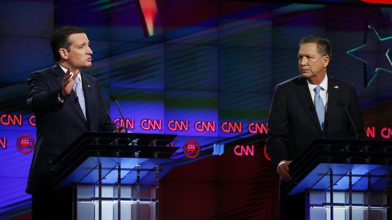 John Kasich et Ted Cruz se font face en mars 2016 lors d'un débat télévisé.