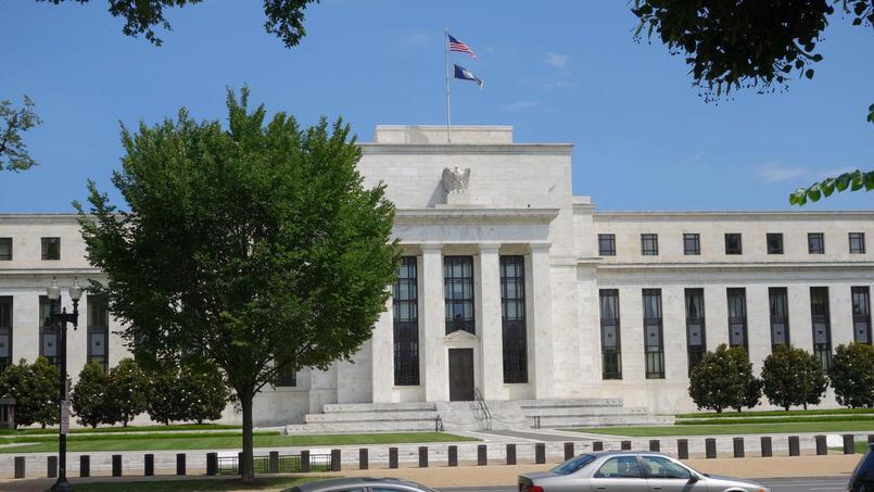 L'argent devait transiter du compte détenu par la banque du Bangladesh à la Fed, à New York, vers les Philippines et le Sri Lanka.