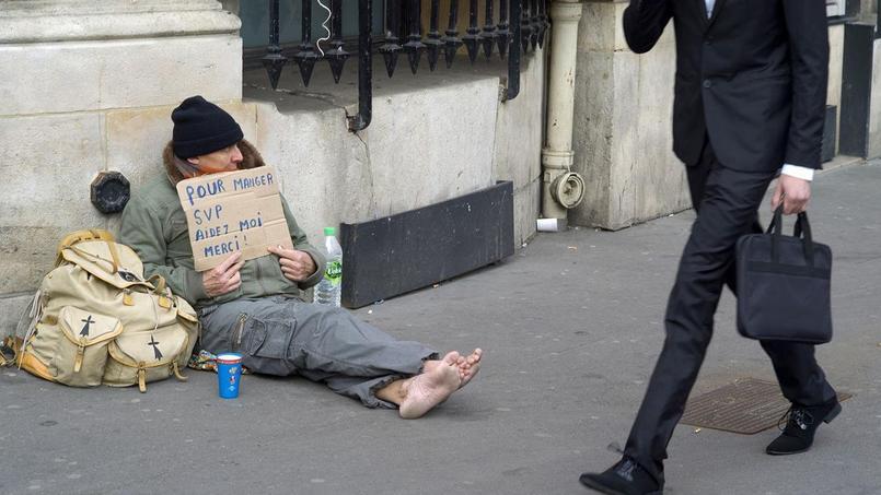 Le taux de pauvreté reste à 14% de la population totale française, selon les dernières données de l'Insee.