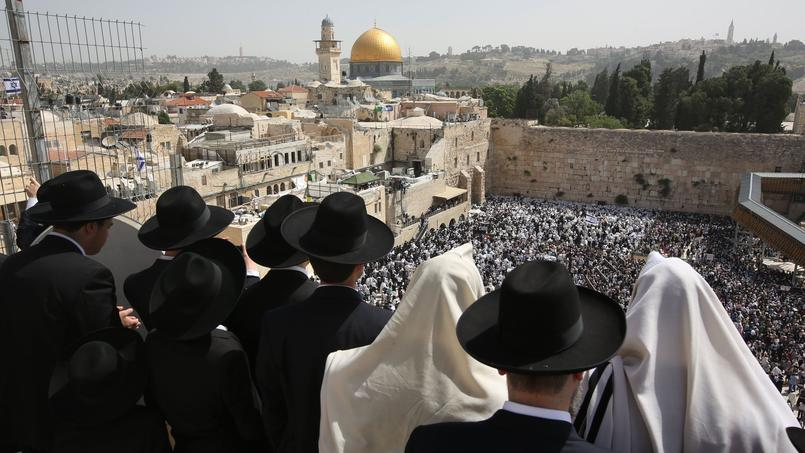 Juifs devant le mur des Lamentations, pour Pessah, 25 avril 2016