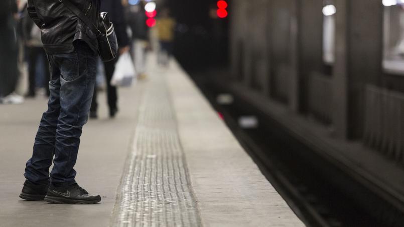 Une jeune femme s'est suicidée en se jetant sous un train du RER C en Essonne. (Photo d'illustration.)