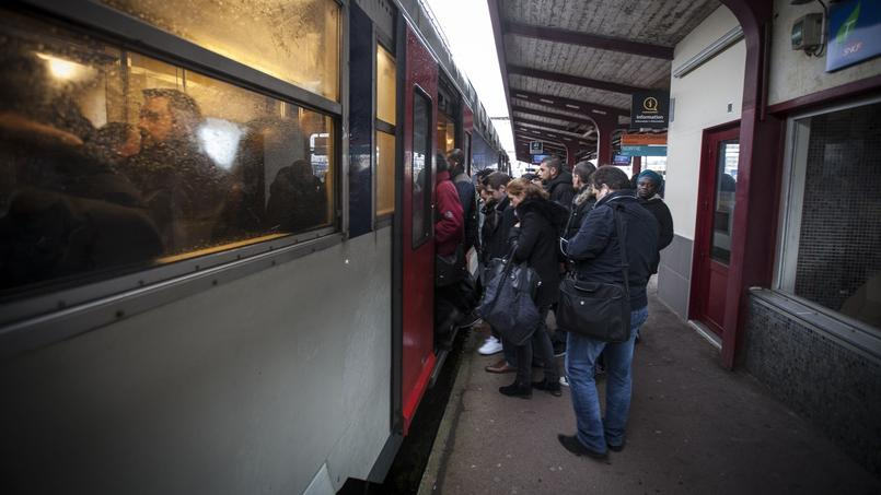 Dans le RER, seuls 3 trains sur 4 circuleront ce jeudi en raison des grèves
