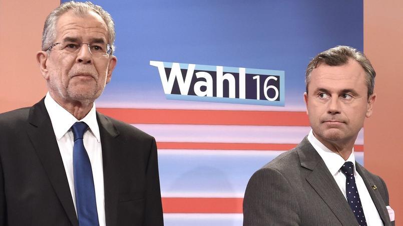 Alexander Van der Bellen et Norbert Hofer, lors d'un débat télévisé le 22 mai.