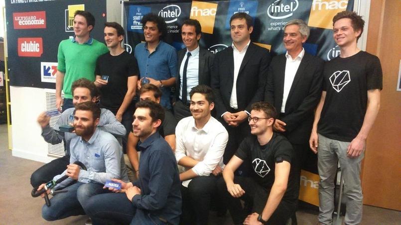 Les lauréats du Prix Start-up Fnac aux côtés d'Alexandre Bompard, PDG de la Fnac, et Stéphane Nègre, PDG d'Intel France.