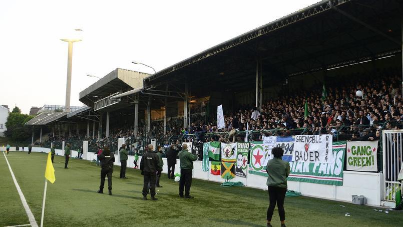 Les supporters du Red Star se mobilisent pour que leur club joue au Stade Bauer