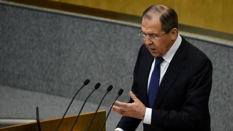 Sergueï Lavrov a réagi après les gardes à vue des supporters russes.