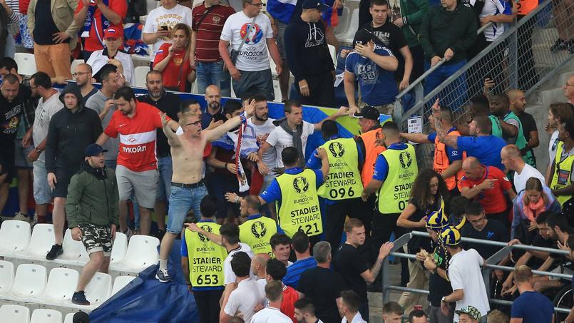 Euro 2016 : trois supporteurs russes condamnés à de la prison ferme
