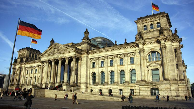 quand berlin devenait la capitale de l 39 allemagne r unifi e. Black Bedroom Furniture Sets. Home Design Ideas