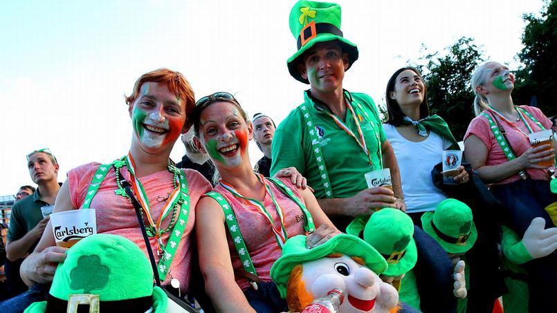 Des supporters irlandais dans la fan zone de Lille avant le match contre l'Italie, le 22 juin dernier.