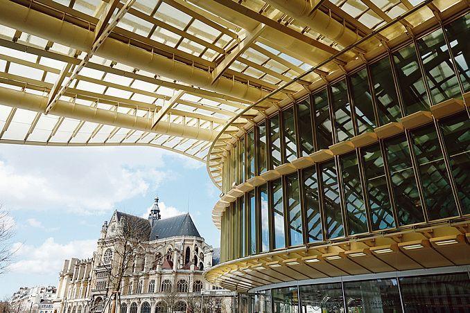 Entérinée le 4 juillet 2016 par le Conseil de Paris, la réforme des conservatoires de la Ville de Paris va se déployer dès la rentrée 2016, comme par exemple au conservatoire Mozart ouvert sous la Canopée des Halles, ou de celui du XIVe arrondissement.
