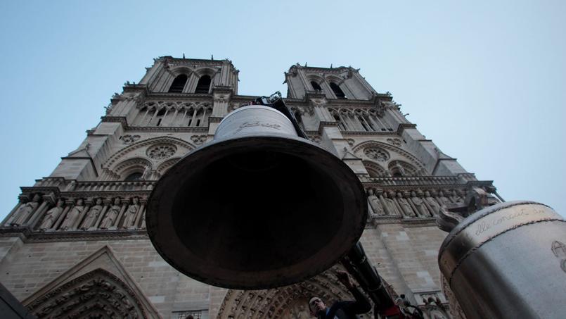 Arrivée des nouvelles cloches de Notre-Dame-de-Paris le 31 janvier 2013.