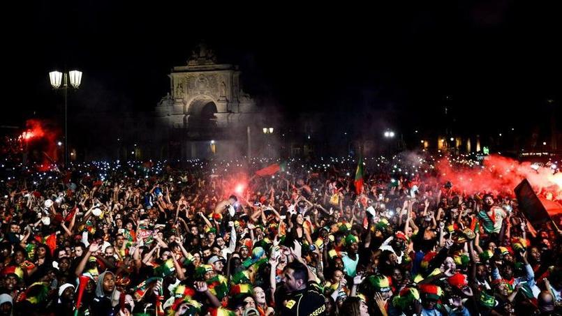 La fan zone de Lisbonne euphorique après le but portugais