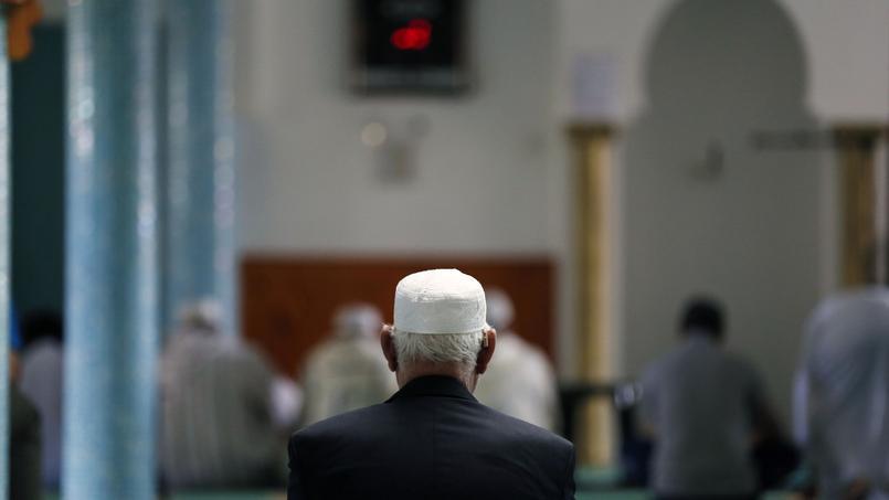 Dans un entretien au Monde, le premier ministre Manuel Valls s'est dit favorable à une interdiction temporaire du financement étranger de la construction des mosquées.