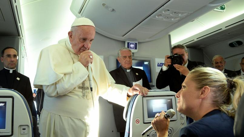 Le pape François, dimanche, lors d'une conférence de presse accordée aux journalistes après les JMJ.