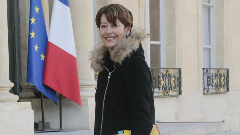 Adeline Hazan a succédé à Jean-Marie Delarue au poste de contrôleuse général des lieux de privation de liberté, le 16 juillet 2014.