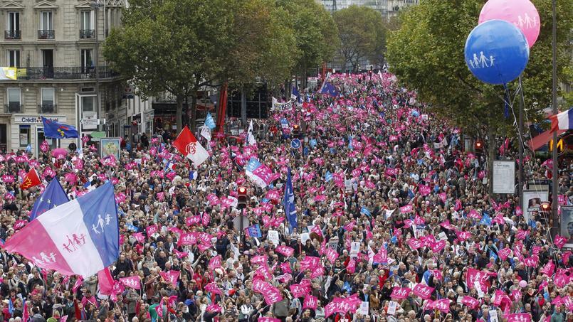 Après le défilé de la Manif pour tous le 5 octobre 2014 à Paris, Manuel Valls avait vivement condamné la GPA.
