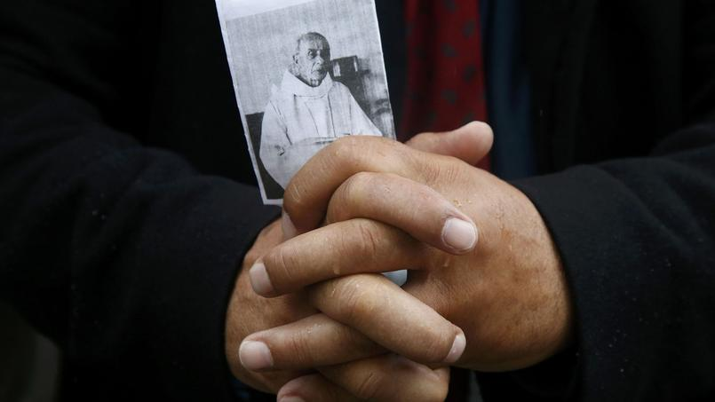 Prière durant les funérailles du pères Jacques Hamel