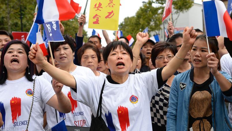 «Je suis Chaolin», ont scandé certains manifestants, en hommage au Chinois décédé à la suite de son agression.
