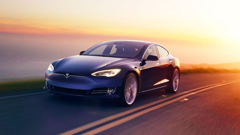 Le Model S serait désormais capable de couvrir un Paris-Lyon sans recharger la batterie.