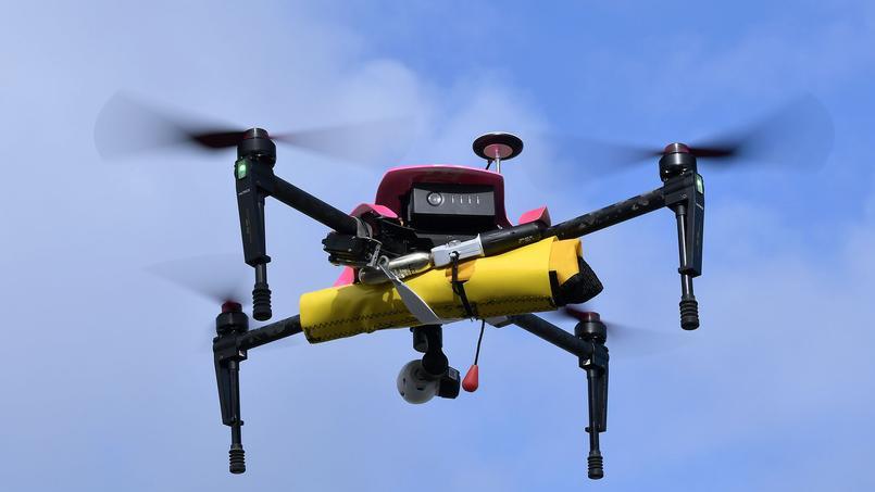 Ici le drône «Helper», a été testé en juillet 2016 sur les plages de Biscarosse en France.