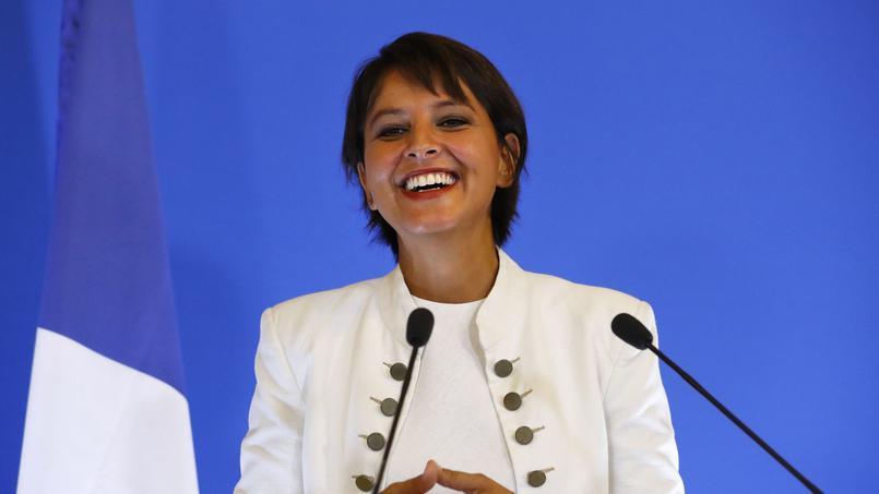 Najat Vallaud-Belkacem lors de la conférence de presse de la rentrée des classes le 29 août 2016 à Paris.