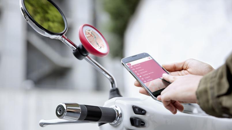 Le groupe rendu celèbre par ses GPS lance un appareil spécial pour les deux roues, appelé VIO. Avec son écran rond, il est destiné à se clipser et se déclipser sur un montant de rétroviseur ou de pare-brise de scooter.