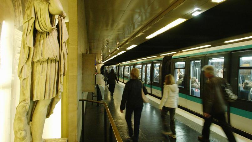 La station de métro Louvre-Rivoli, à Paris. Crédit photo: Alain AUBERT/Le Figaro