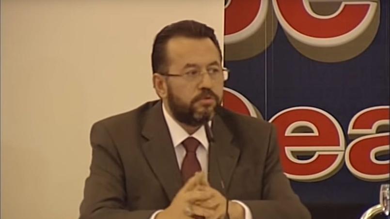 Faruk Güllü est officiellement accusé d'être un soutien et membre du mouvement güléniste.