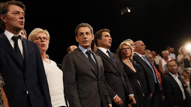 Nicolas Sarkozy entouré de François Baroin, de Catherine Vautrin et de Christian Jacob député maire de Provins, lundi après son meeting