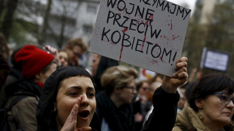 Le Parlement polonais se penche sur l'interdiction totale — Avortement
