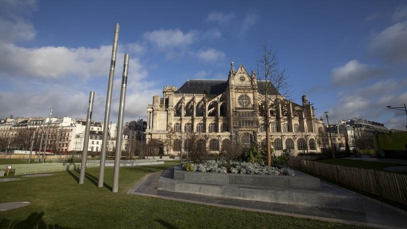 L'église Saint-Eustache doit faire face à 2,4 millions d'euros de travaux et escompte 750.000 € de recette grâce aux bâches publicitaires.