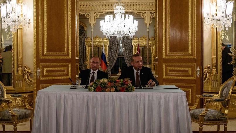 Vladimir Poutine et Recep Erdogan ont scellé leur réconciliation en signant un accord pour la construction de deux lignes de gazoduc sous la Mer noire.